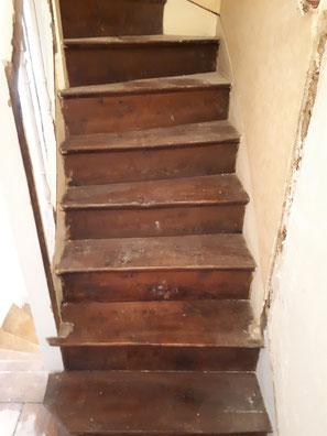 Decapage par aerogommage escalier bois 75 Paris Avant